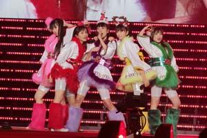1万人が熱狂! ももいろクローバーZ、クリスマス・コンサート大成功! 横浜アリーナ2DAYSも発表!