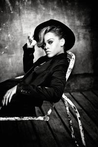 リアーナ、新曲「ホエア・ハヴ・ユー・ビーン」で新記録を樹立!
