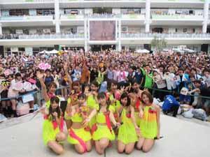 SUPER☆GiRLS、新曲「常夏ハイタッチ」過去最高ポイントでオリコンウィークリーチャート初登場3位!