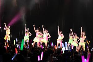 SUPER☆GiRLSがファン投票で選ばれたスパガの曲トップ10を大熱唱!