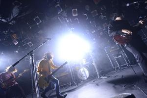 KANA-BOON 、東京ワンマン大盛況! 1stアルバム、オリコンウィークリーチャート初登場3位!