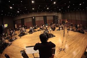 ピエール中野(凛として時雨)、初ソロ作品からドラムオーケストラ「Animus」映像公開!