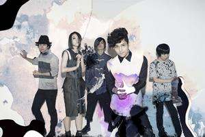 """タワー渋谷店コラボキャンペーン""""LIVE LIVEFUL!""""で初の国境を越えたコラボ!"""
