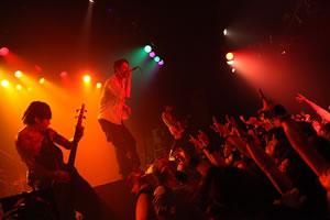 東京・恵比寿 LIQUIDROOMにてライヴ・イベント〈Paradoxic〉開催