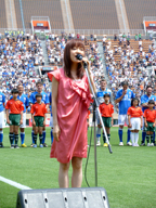 川嶋あい、サッカー日本・イタリアOB戦にて国家独唱を披露