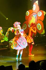 きゃりーぱみゅぱみゅ、3度目のワールドツアー初日シンガポール公演が無事終了