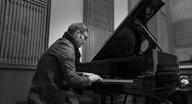 独ピアニストHenning Schmiedtが10月に全18公演のジャパン・ツアーを開催
