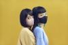 チャラン・ポ・ランタン、ニュー・アルバム『こもりうた』マスク姿のジャケット写真公開