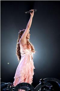 安室奈美恵、ドラマ主題歌の新曲を広島で初披露!