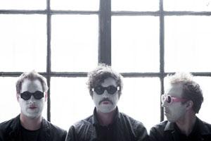 ホット・チップのアルとフェリックスによるダンス・ロック・バンド、ニュー・ビルドが新作を発表!
