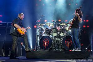 ラッシュ、デビュー40周年記念ツアーを収録する3枚組ライヴ盤をリリース