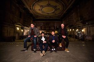 エンター・シカリ、ニュー・シングル「Redshift」を突如発表