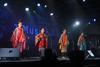 ネーネーズ、現メンバーでの初の海外公演を行ない4曲を熱唱