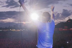 ドキュメンタリー映画『ブラー: ニュー・ワールド・タワーズ』の日本公開が決定