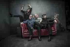 ピクシーズ、2年半ぶりの新作『ヘッド・キャリア』を9月にリリース