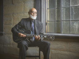 モータウンの黄金期を支えたギタリスト、デヴィッドT.ウォーカーが来日公演を開催