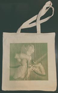 フランツ・フェルディナンド、新作『オールウェイズ・アセンディング』のトートバッグ付き限定盤を発売
