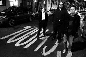 ヨ・ラ・テンゴ、ニュー・アルバム『ゼアズ・ア・ライオット・ゴーイング・オン』を発表