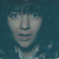 コートニー・バーネットがニュー・アルバム収録曲「City Looks Pretty」のMVを公開