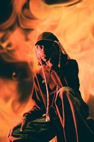 ブラッド・オレンジ、有色人種の不安をテーマにした新作『ニグロ・スワン』を8月にリリース