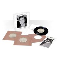 デヴィッド・ボウイ、初期の未発表音源を収録する7インチ・ボックス発売