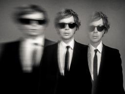 ベック、ファレル・ウィリアムスと共作した新曲「Saw Lightning」をリリース