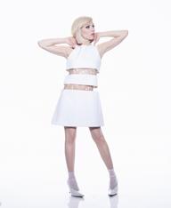 カーリー・レイ・ジェプセン、ニュー・アルバム『デディケイティッド』を5月にリリース