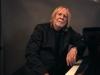 リック・ウェイクマン、全曲ピアノ・ソロのクリスマス・アルバムを発表