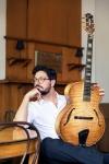ジャズ・ギタリスト、パスクァーレ・グラッソがデューク・エリントンを弾く新作アルバムを発表
