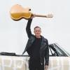 ブライアン・アダムス、新作『SO HAPPY IT HURTS』2022年3月にリリース 先行楽曲を公開