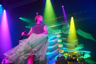 木村カエラ、JRAのCMソング「HOLIDAYS」をホール・ツアー初日に初披露 アプリ「SNOW」とのコラボも