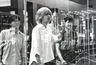 京都インディ・シーンの新星、ギリシャラブが1stアルバムを発売