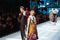 水曜日のカンパネラ・コムアイ、ドルチェ&ガッバーナのショーに日本人アーティストとして初出演