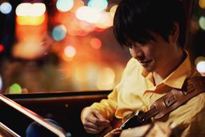 小沢健二が「強い気持ち・強い愛」など3曲のリリック・ビデオを公開