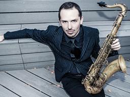 NYファーストコール・サックス奏者のジョン・エリス、トリオで来日公演を開催