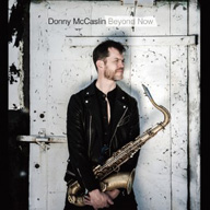ダニー・マッキャスリン、デヴィッド・ボウイ『★』参加メンバーとボウイのカヴァーを含むアルバムをリリース