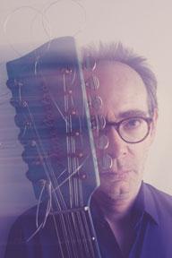 アート・リンゼイ、新作『ケアフル・マダム』のレコーディング・メンバーで来日決定
