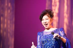 八代亜紀、36年ぶりのロサンゼルス公演を開催 『夜のつづき』収録のジャズ・ナンバーも披露
