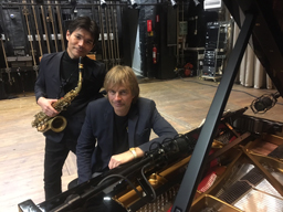 グレゴリー・ポーター・バンドのサックス奏者、佐藤洋祐がヤン・ラングレンとデュオ・アルバムを発表