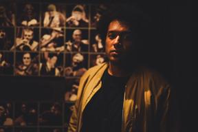 マカヤ・マクレイヴン、3年ぶりとなるオリジナル・フル・アルバム『ユニバーサル・ビーイングス』をリリース
