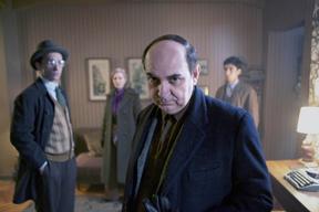 チリの英雄、パブロ・ネルーダの半生を描いた映画「ネルーダ 大いなる愛の逃亡者」予告編公開