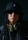 DJ KOOの熱望により、lolの新曲「brave up!! feat.DJ KOO」の特典の一部が変更に