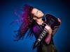 """世界的ギタリスト、マーティ・フリードマンが超実力派歌い手""""+α/あるふぁきゅん。""""とコラボした最新MVを公開"""