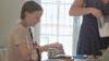 映画『グレタ ひとりぼっちの挑戦』本編映像公開 母が涙ながらに明かす幼少期の試練と成長