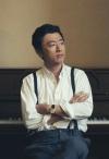 桑田佳祐、ソロ作品の名曲たちがユニクロの新TV-CMシリーズにタイアップ決定