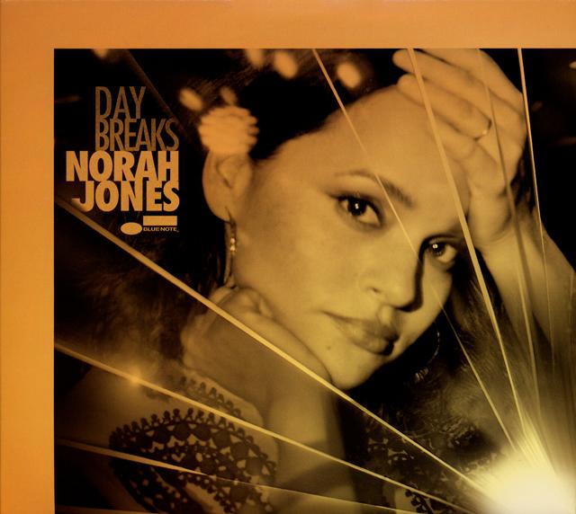ノラ・ジョーンズ / デイ・ブレイクス [紙ジャケット仕様] [CD+DVD] [SHM-CD] [限定]