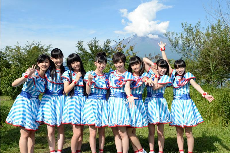 富士山をバックにした私立恵比寿中学