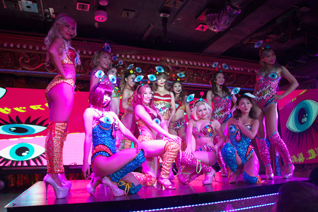 A-Queen from バーレスク東京、1...