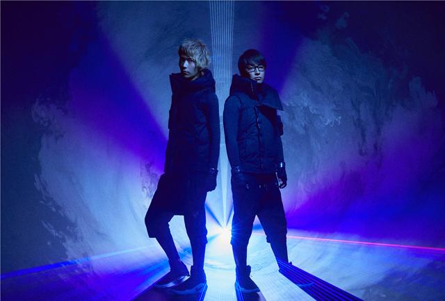 「本能寺の変」のダンス・ユニット、エグスプロージョンが1stアルバム『CD/E』発表
