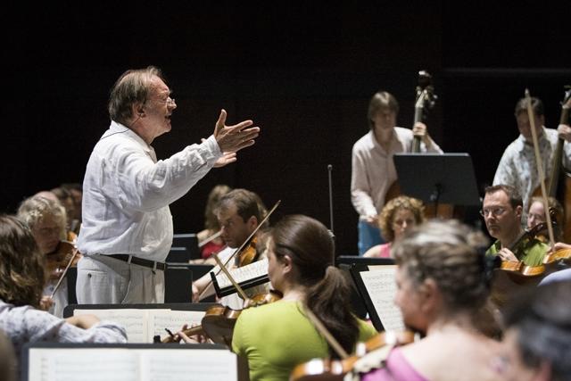 ニコラウス・アーノンクール、1988年録音の『シューベルト:交響曲全集』が初CD化